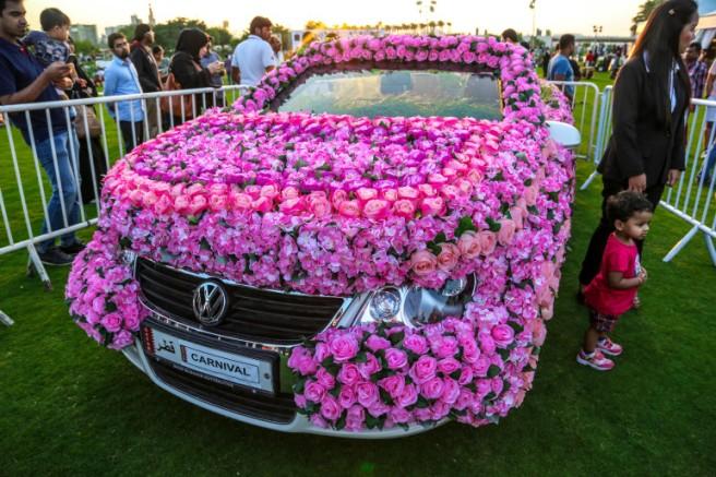 flowers car